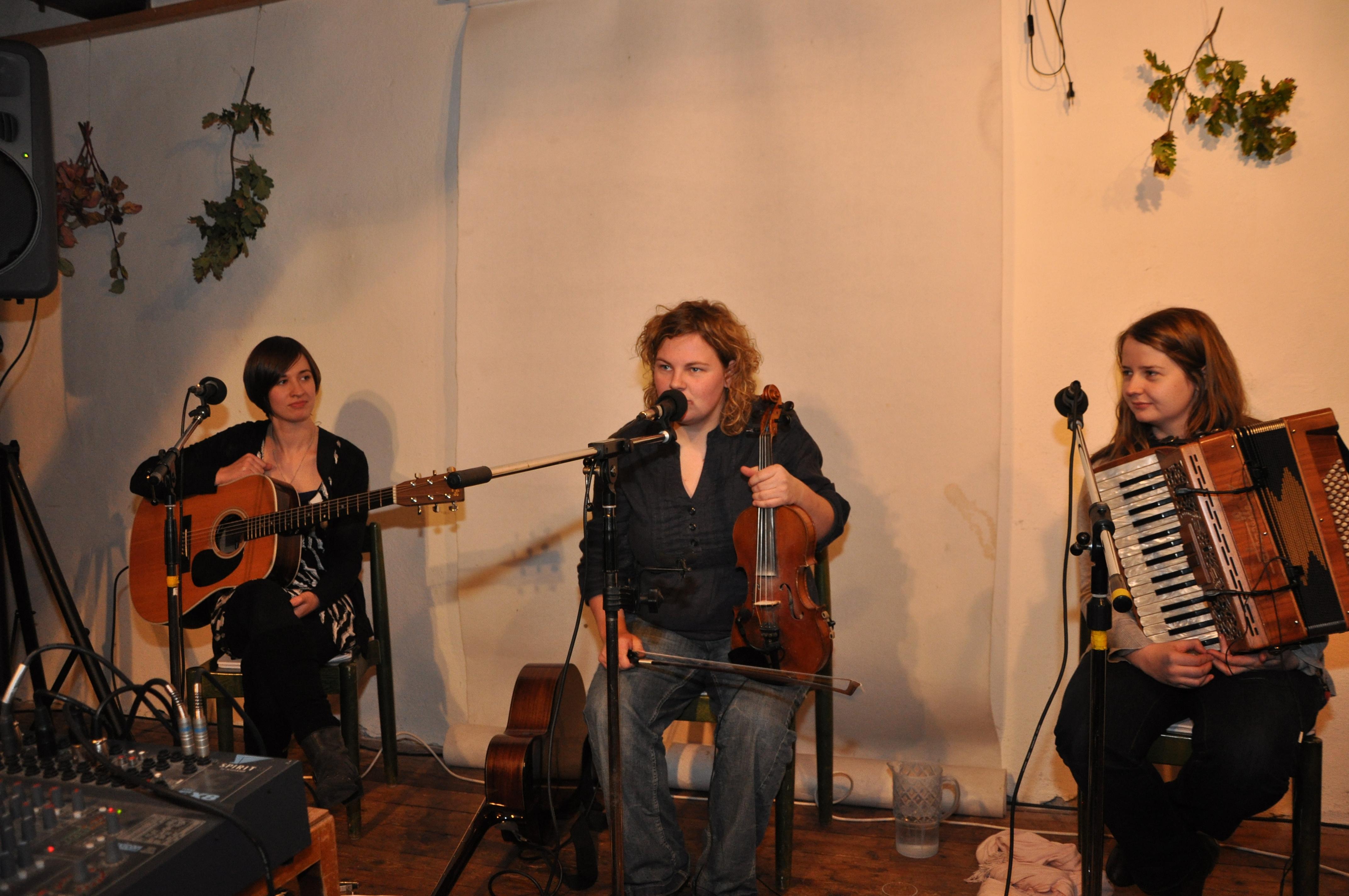 2009-10-17 Anna Massie Band